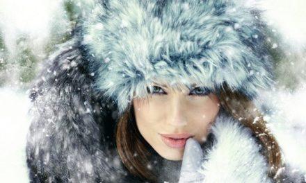 Как да носим косата си под зимната си шапка