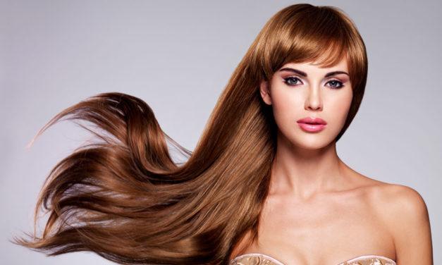 Дългата коса до кръста тренд за 2017 г.