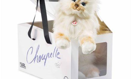 Choupette Lagerfeld вече и плюшен