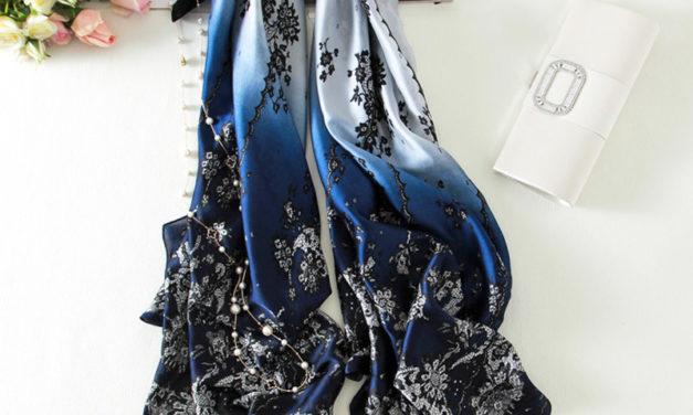 Коприненият шал – аксесоар за месец април
