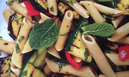 Хапнете пане с гриловани зеленчуци за Април месец