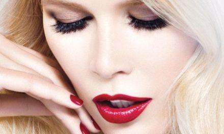 Claudia Schiffer със собствена козметична линия