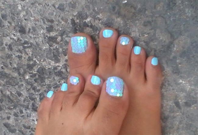trendy-summer-toe-nail-polish-ideas-2017