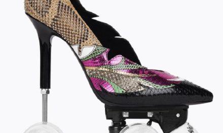 Yves Saint Laurent ни изненада с обувки на колела