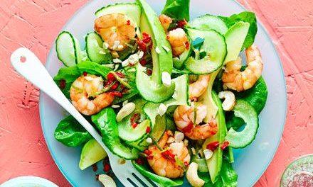 Морска салата с авокадо и скариди
