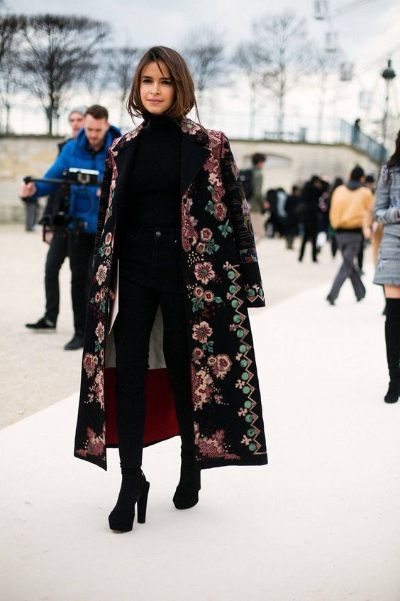 1c0bcd1fcd376a5eae4f1b7903bfd3e4-street-outfit-pfw-street-style