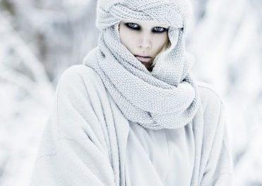 За този месец декември носете много бяло