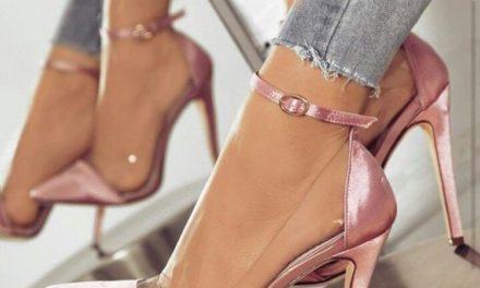 За тази пролет носете обувки и чанти от прозрачна материя и гума