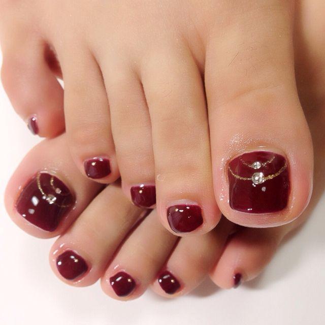 dddddddddddddddddddd4d5d5f896d06daf47f65337634091b59-red-toe-nails-toe-nail-art