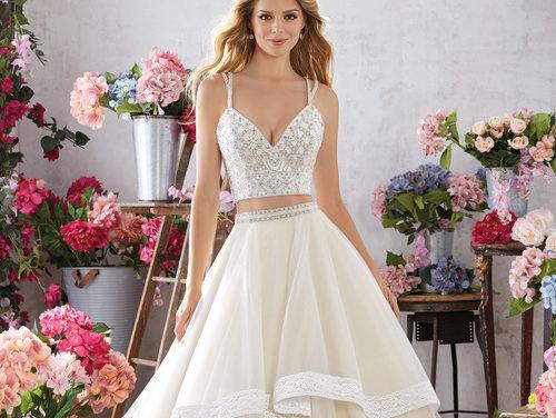 Красиви сватбени рокли за пролетта