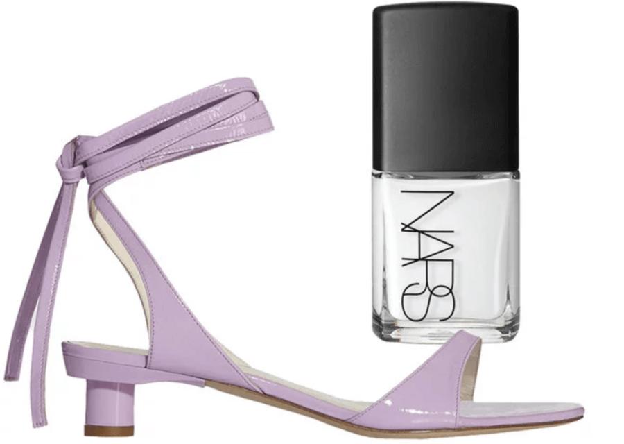 Тренд за тази пролет и лято – сандали и педикюр в един цвят