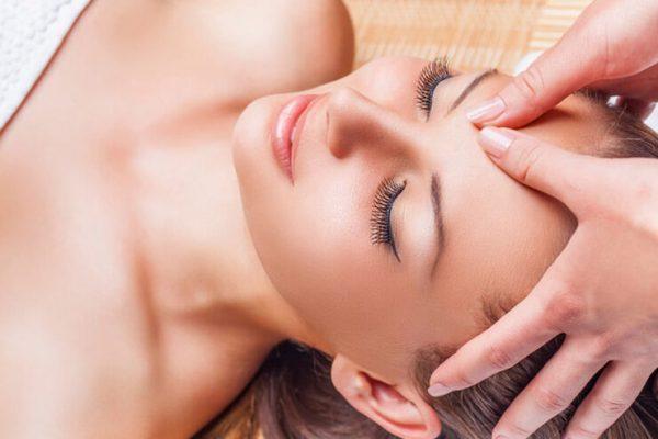 Падмладяващ масаж за лице