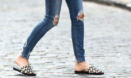 За това лятото носете екстравагатни чехли с ниска подметка