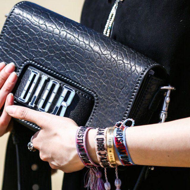 Клъч чантите са много модерни това лято
