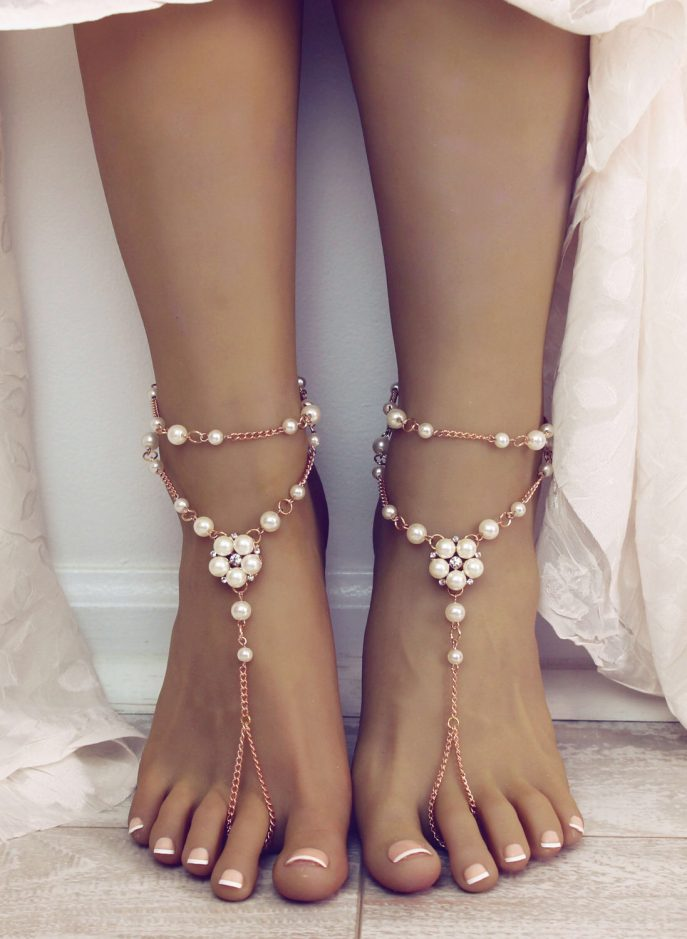 gaia-barefoot-sandals-bridemaids-gift-anklet-goldoot-jewelryancyor-beach-wedding-photos-design-cheap-weddings-687x939