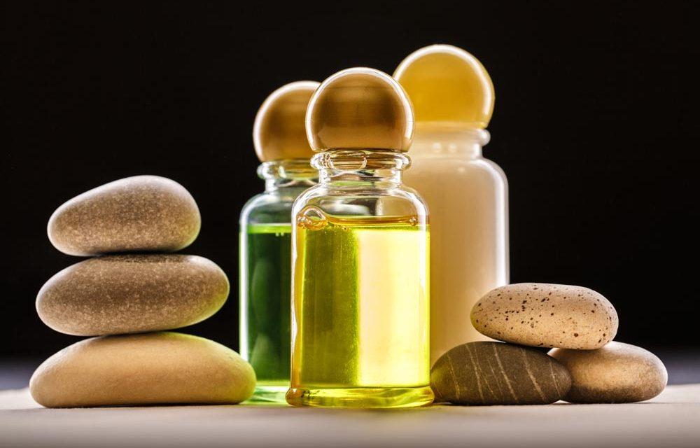 Три много подходящи масла за масажи за това лято