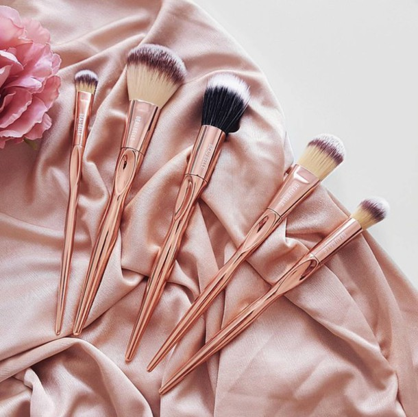 kfkfkfkfkkfkfkfkuhqgb5-l-610x610-make-tumblr-makeup-brushes-pink-pastel-pink-pastel-copper