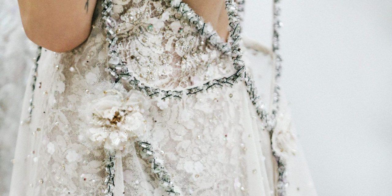 Три подходящи сватбени рокли за вашата морска сватба