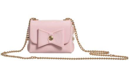 Малките розови и лилави чанти са тренда за това лято