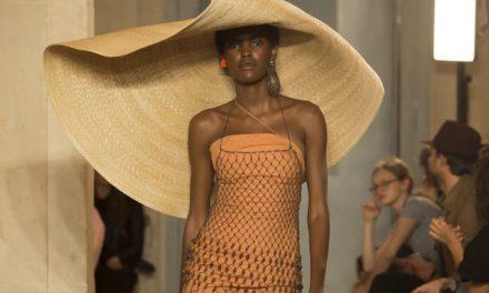 За това лято бъдете много красиви с големите и нестандартни шапки