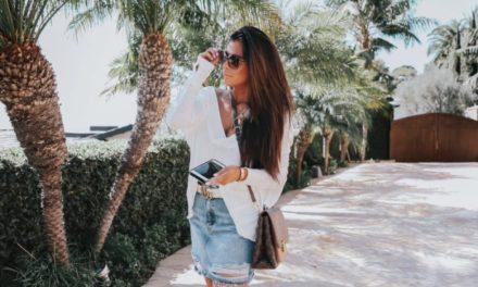 Късата дънкова пола – аксесоар за месец август