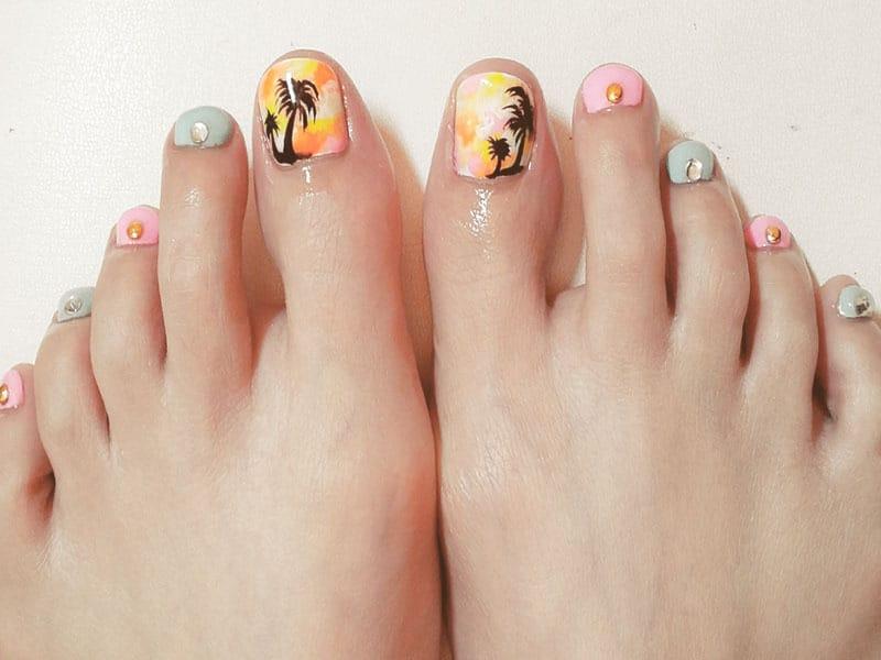 beautiful-palm-tree-toe-nail-art-bmodishfff