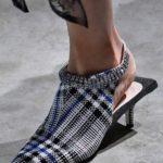 До края на месец август най – горещият моден тренд е карето