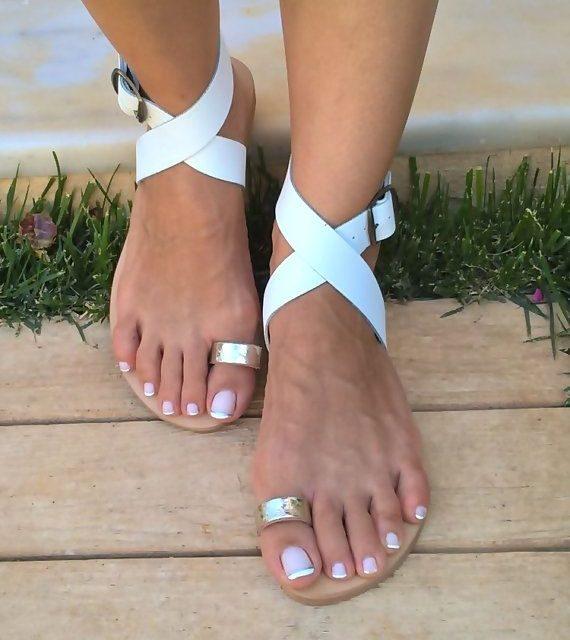 Не пропускайте за този сезон ring sandals