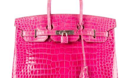 За този сезон са много модерни чантите от крокодилска кожа