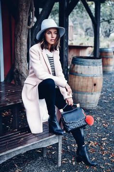 f2cc39e6beb888612e59c4a7b93562f0-napa-valley-wine-wine-tasting-outfit-12233333