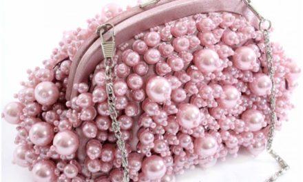 Чанти от перли за този месец януари