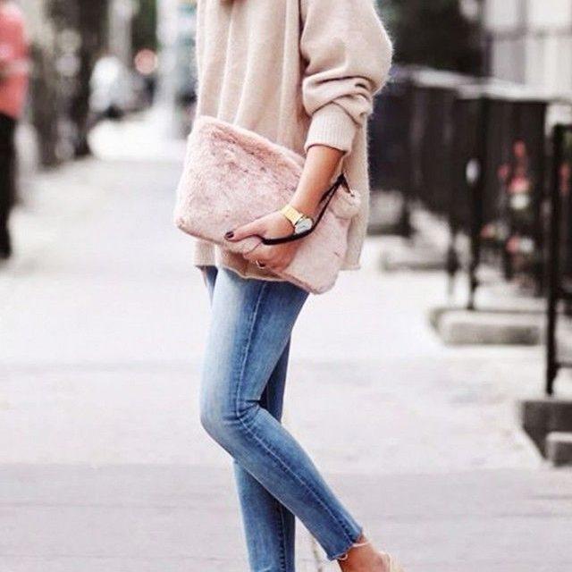 За този март носете розово и деним