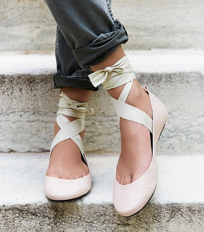 meet-the-new-wave-of-ballet-flats-1848971-1469560023-700x0c-vvvv